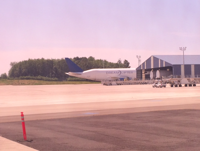 Snagged a picture of the Dreamlifter